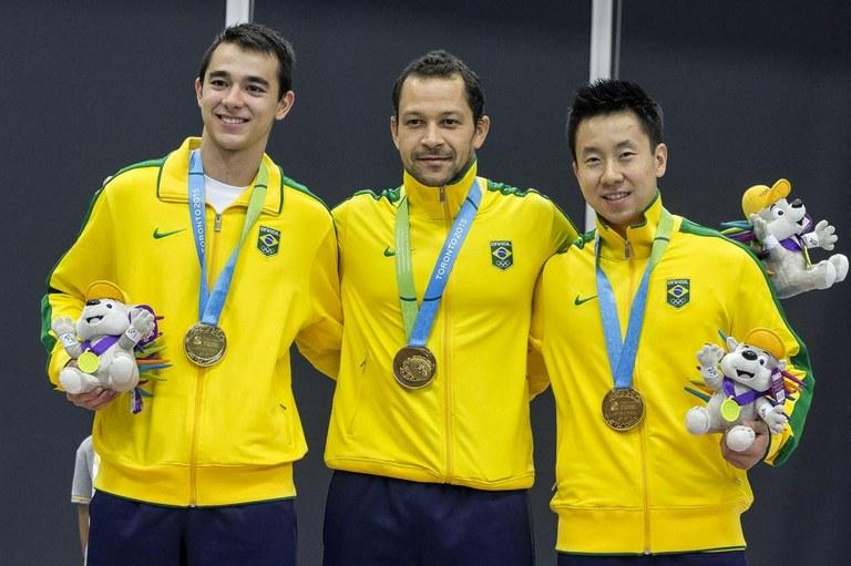 Tênis de mesa garante o ouro e a prata e faz história em Toronto Presente nas duas finais por equipes nos Jogos Pan-Americanos, o tênis de mesa brasileiro fez história em Toronto