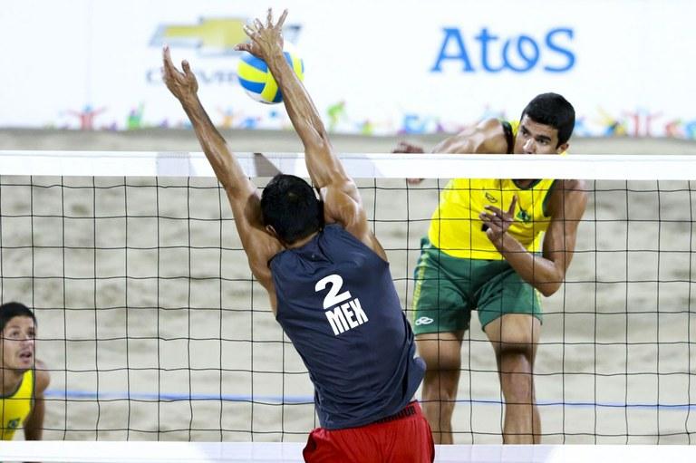 Álvaro Filho e Vítor Felipe foram derrotados por Rodolfo Ontiveros e Juan Virgen por 2 sets a 1